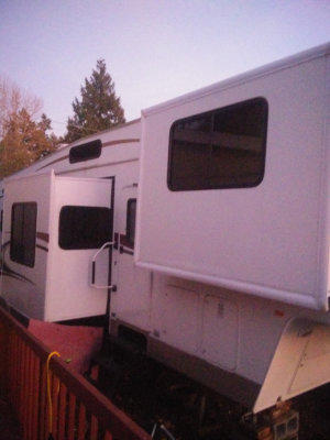 2005 Prowler 5th Wheel For Sale