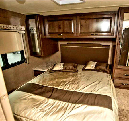 2018 Thor Four Winds 31Y For Sale